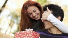 Что подарить парню на 2 года отношений