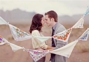 Что можно подарить на первый год свадьбы